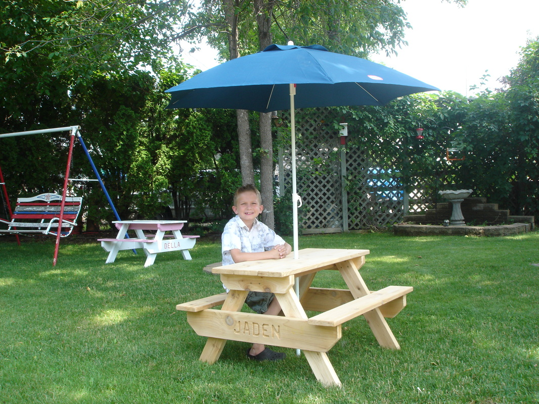 USA Kids Picnic Table And Umbrella!! Picture